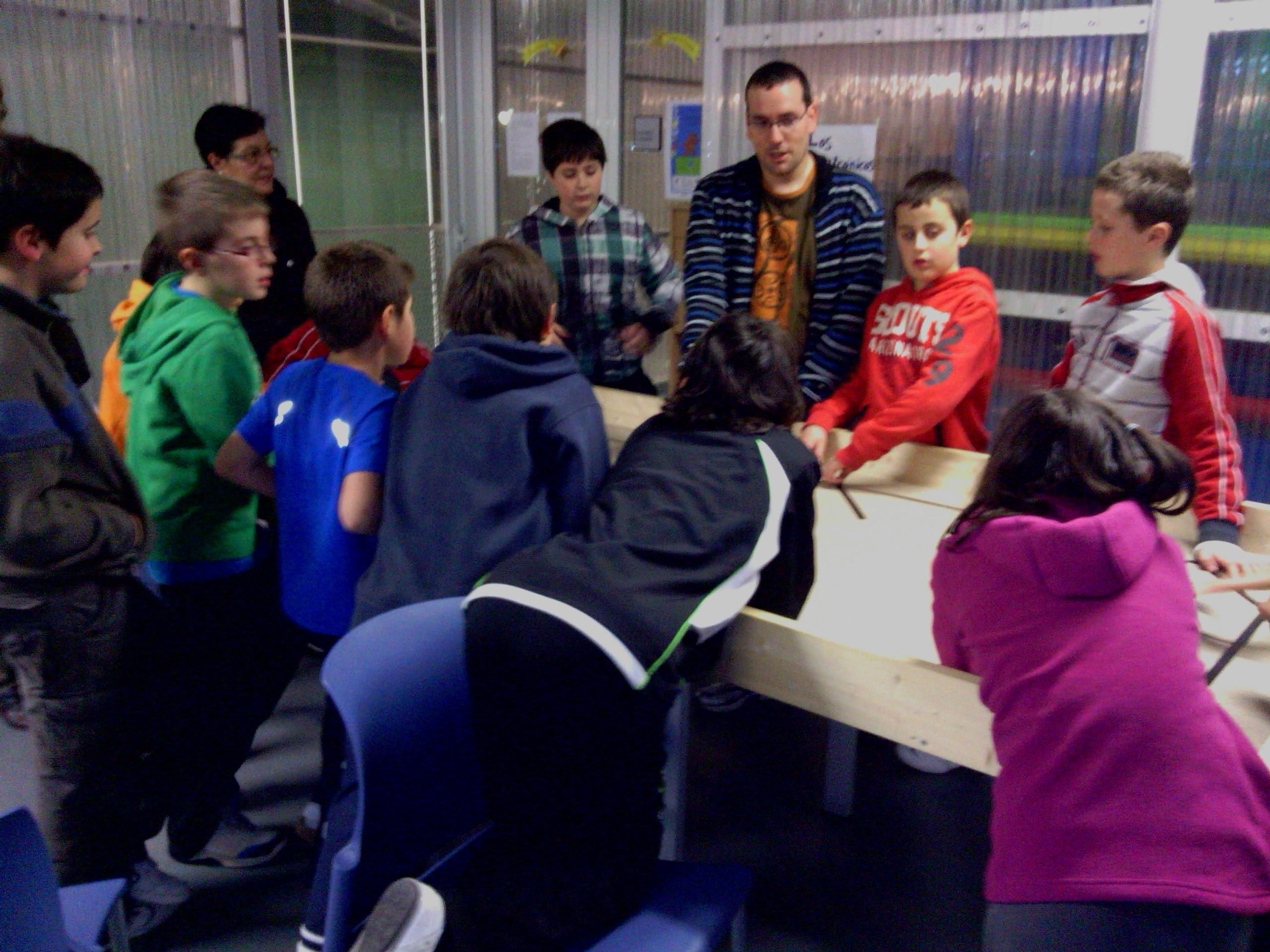 Jonathan Ruiz de Garibay en los talleres de robótica